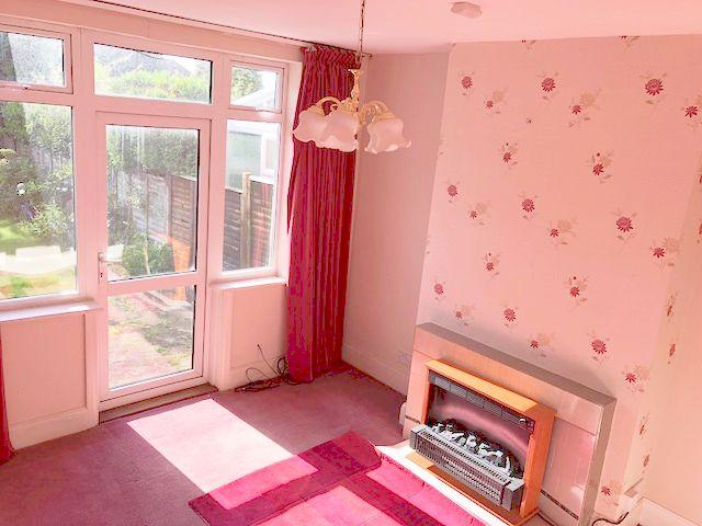3 Bed Semi-detached House To Rent - Rear Reception