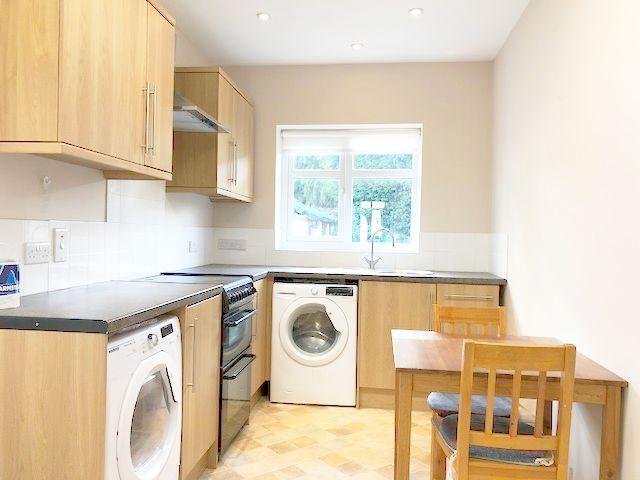 3 Bed Semi-detached House To Rent - Kitchen