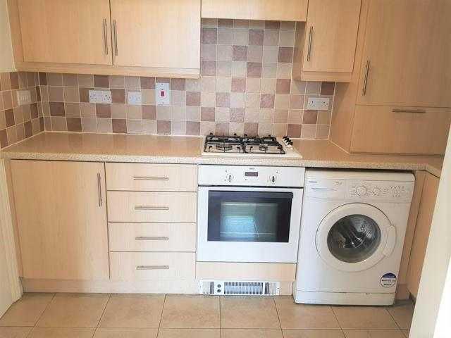 2 Bed Apartment Flat/apartment For Sale - Kitchen