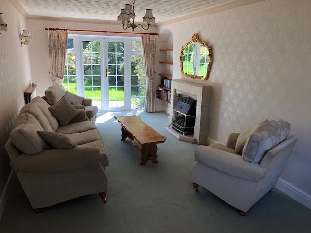 4 Bedroom Detached House To Rent - Photograph 18