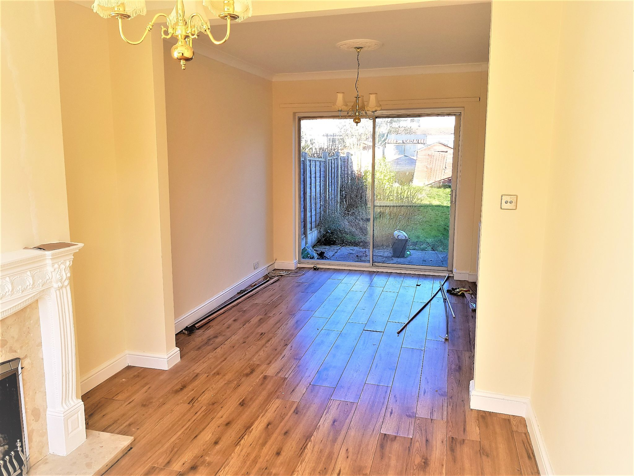 4 Bedroom Semi-detached House To Rent - Photograph 4