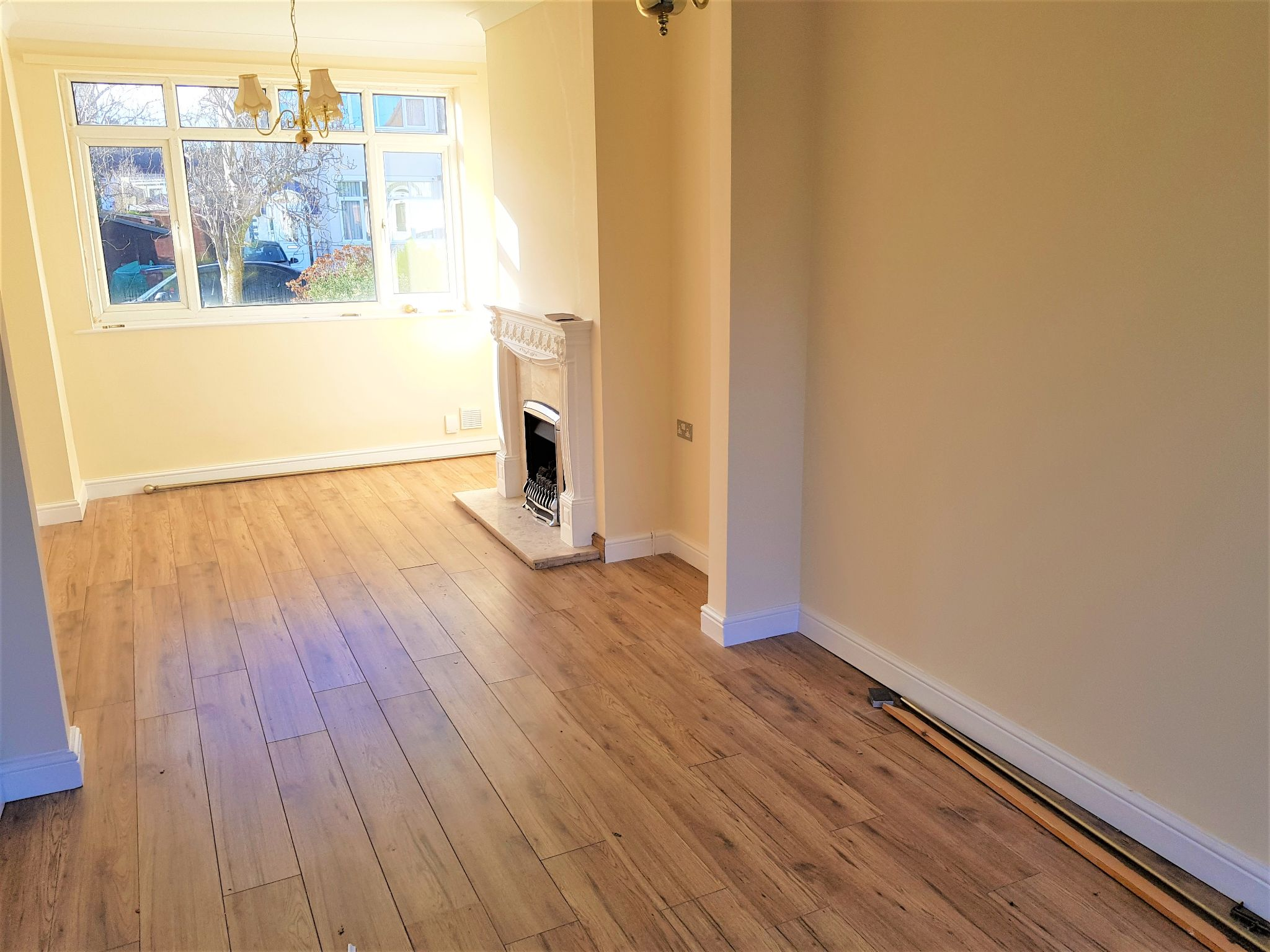 4 Bedroom Semi-detached House To Rent - Photograph 3