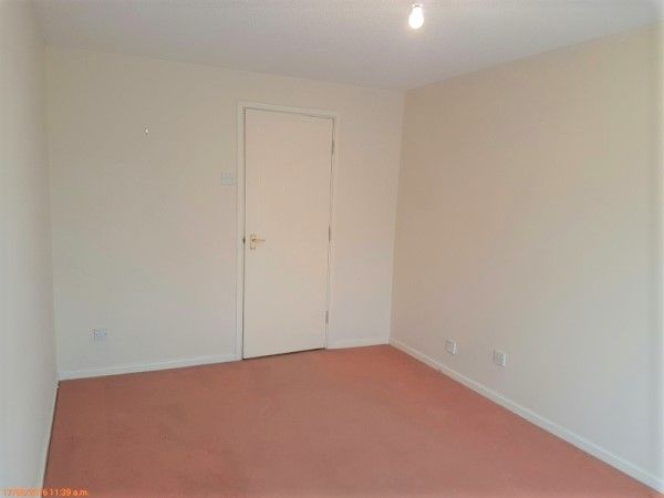 1 Bed Apartment Flat/apartment To Rent - Living Room