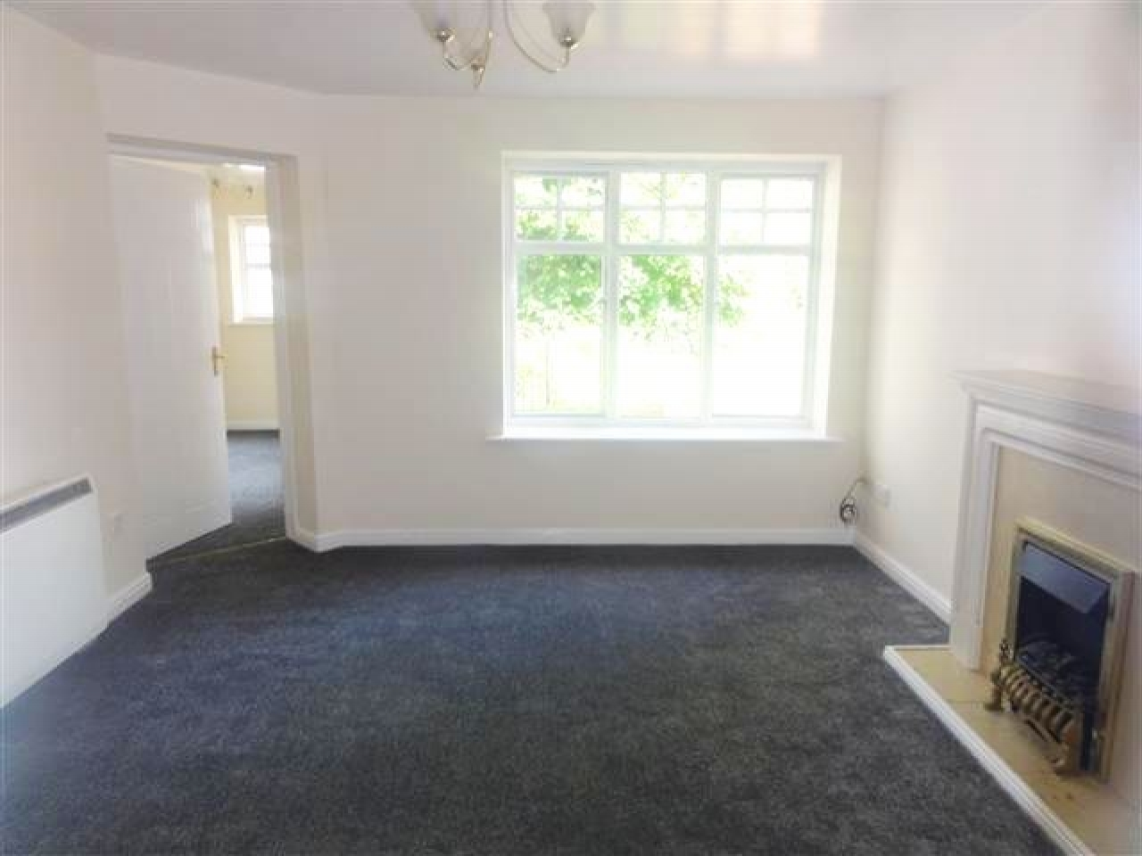 3 Bed Apartment Flat/apartment To Rent - Photograph 2