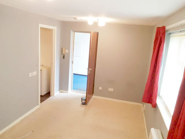 Studio Flat/apartment To Rent - Photograph 2