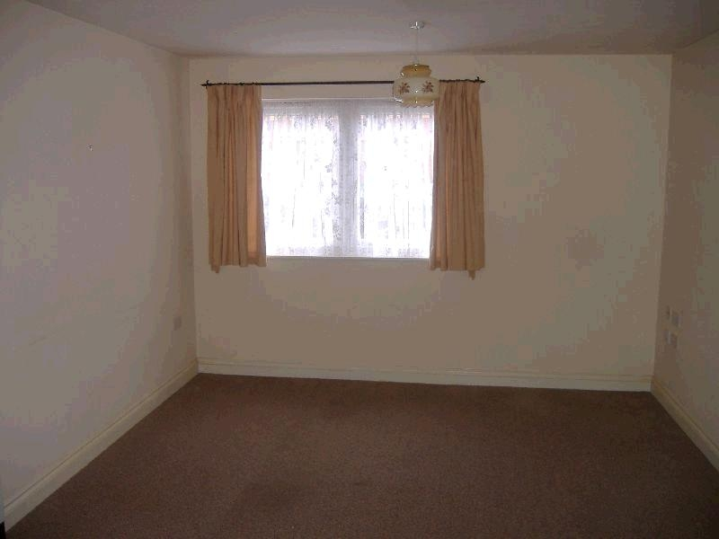 1 Bed Ground Floor Flat/apartment To Rent - Lounge