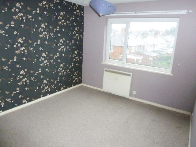 2 Bed Flat Flat/apartment To Rent - Photograph 4