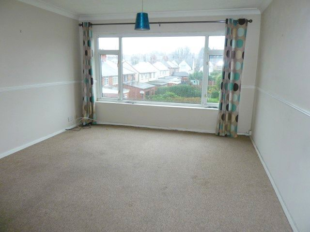 2 Bed Flat Flat/apartment To Rent - Photograph 2