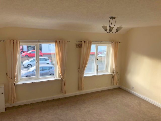 1 Bed Apartment Flat/apartment To Rent - Photograph 2