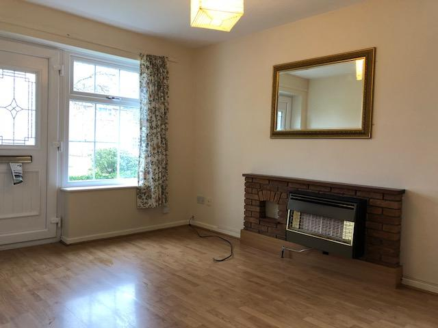 1 Bed Semi-detached House To Rent - Photograph 4