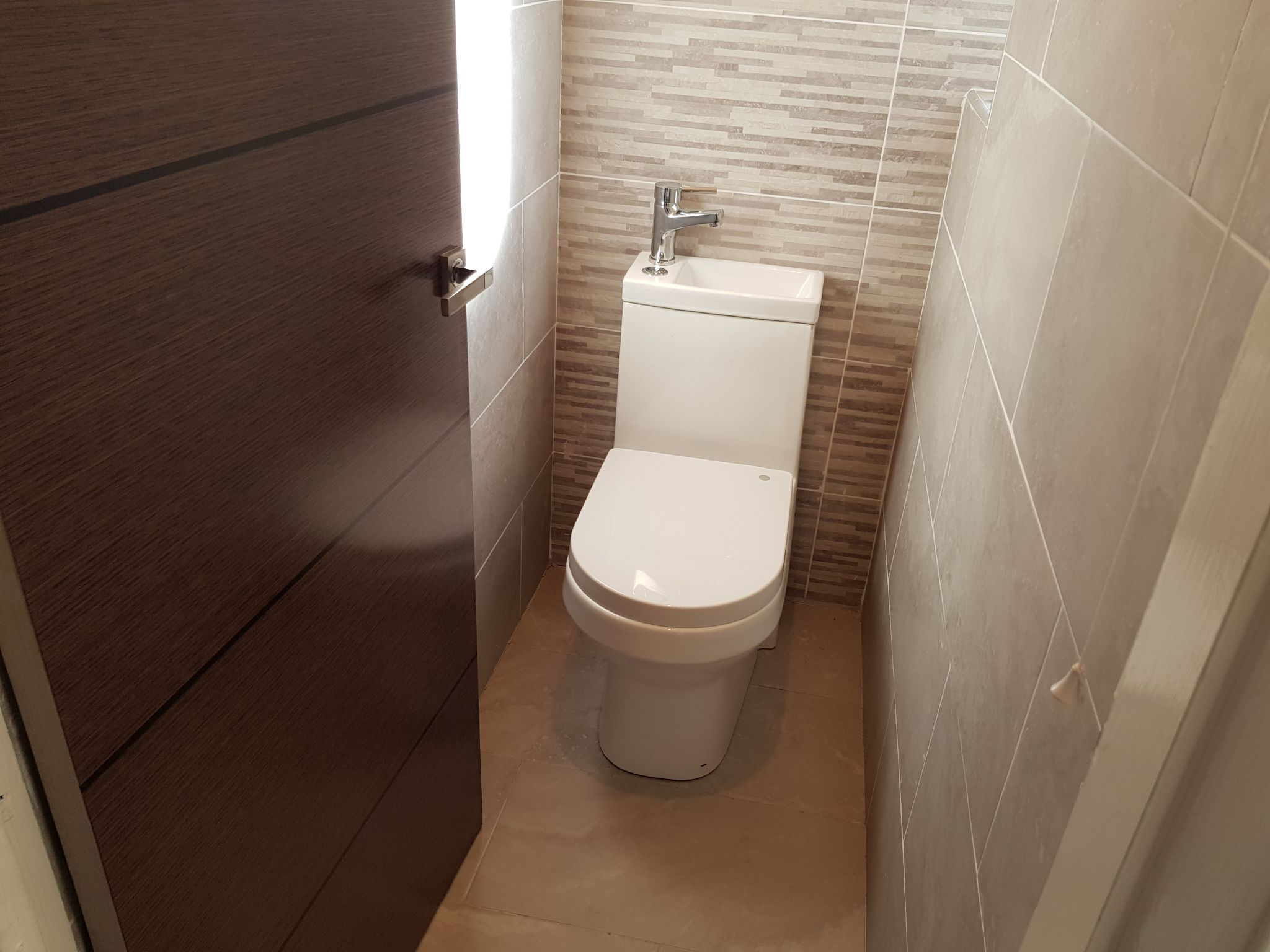 3 Bedroom Semi-detached House For Sale - Separate WC