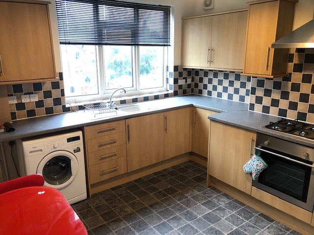 1 Bed Apartment Flat/apartment To Rent - Photograph 7