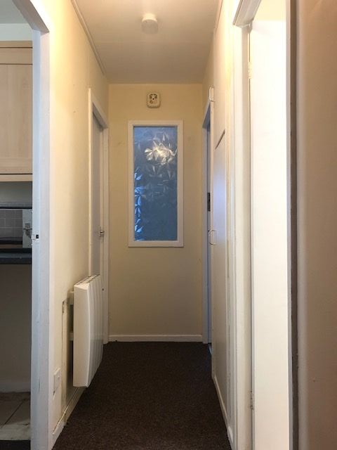 1 Bed Flat Flat/apartment To Rent - Photograph 2