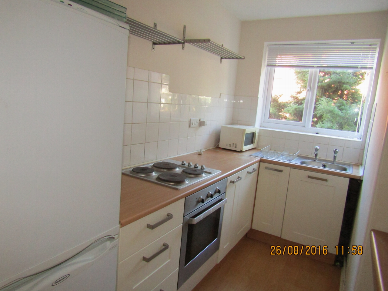 2 Bed Apartment Flat/apartment For Sale - Photograph 4