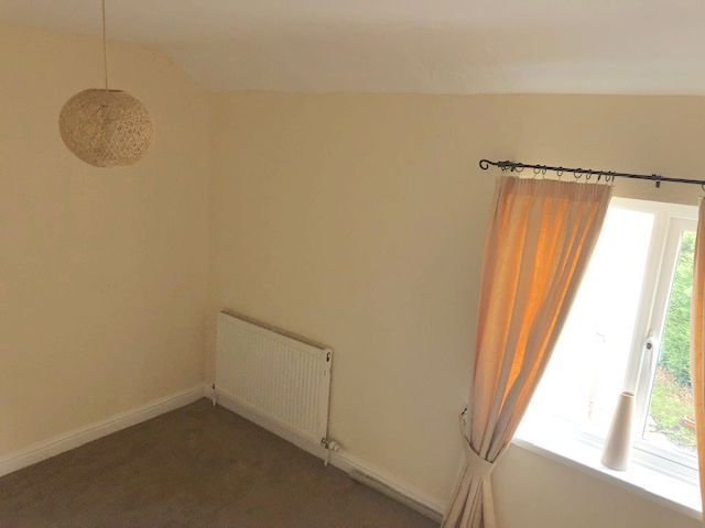 1 Bed Flat Flat/apartment To Rent - Photograph 3