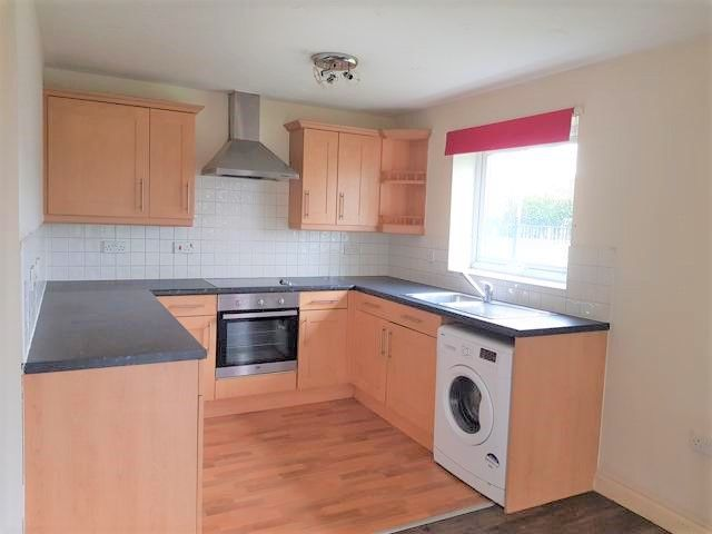 2 Bed Ground Floor Flat/apartment To Rent - Lounge / Kitchen Open Plan