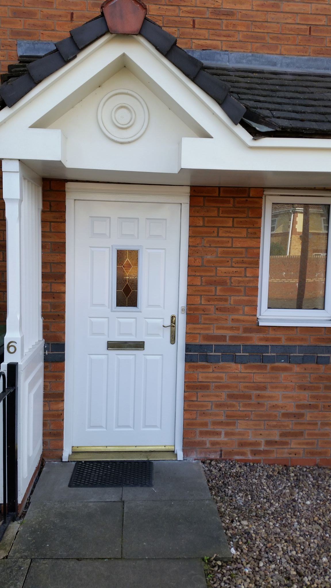 2 Bed Ground Floor Flat/apartment For Sale - Own Secure Front Door