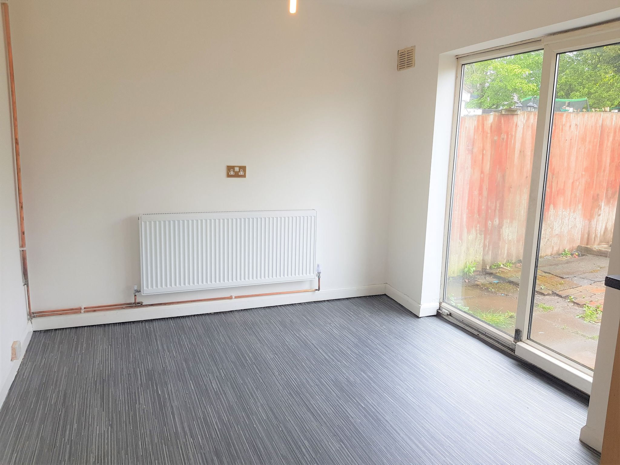 2 Bedroom Mid Terraced House To Rent - Kitchen / Diner