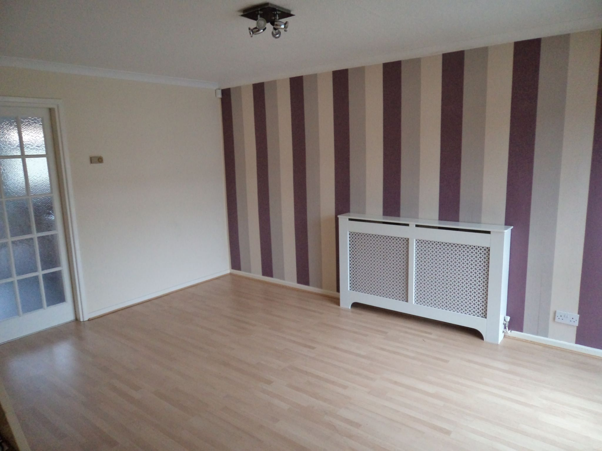 2 Bed Semi-detached House For Sale - Lounge