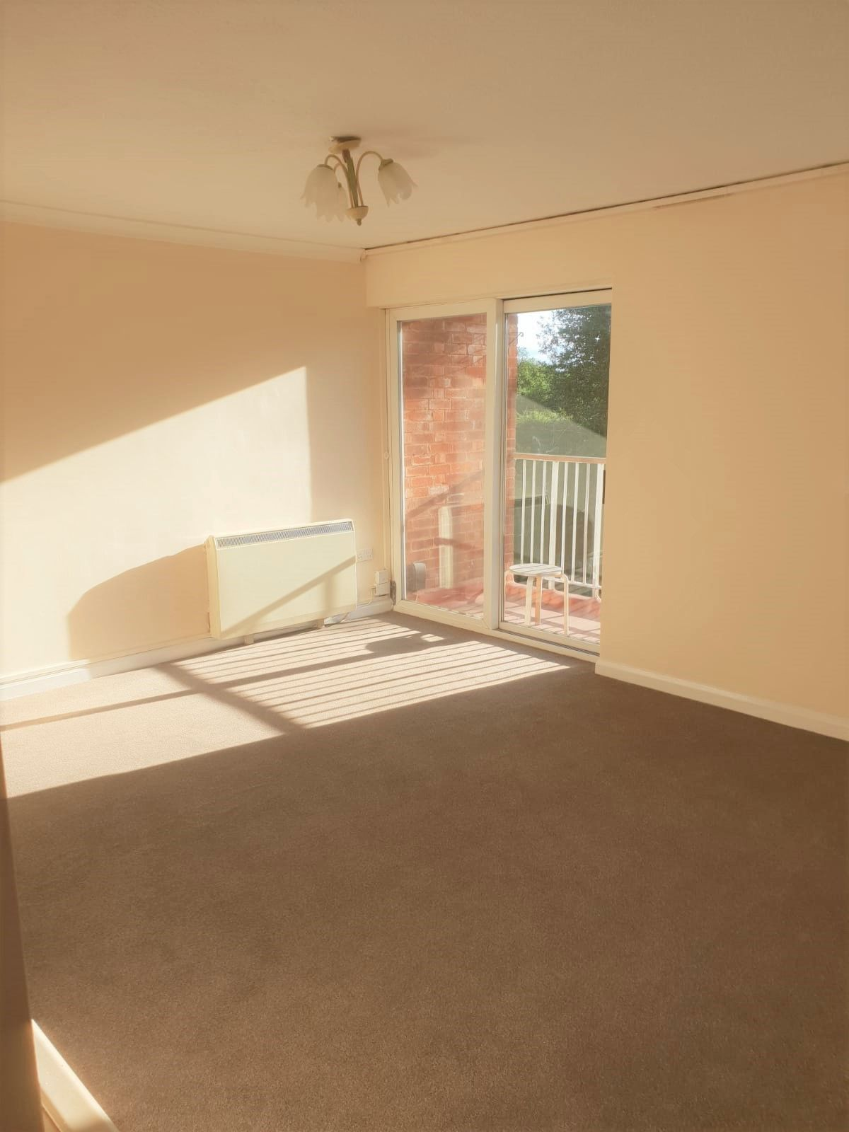 2 Bedroom Apartment Flat/apartment To Rent - Lounge with Balcony