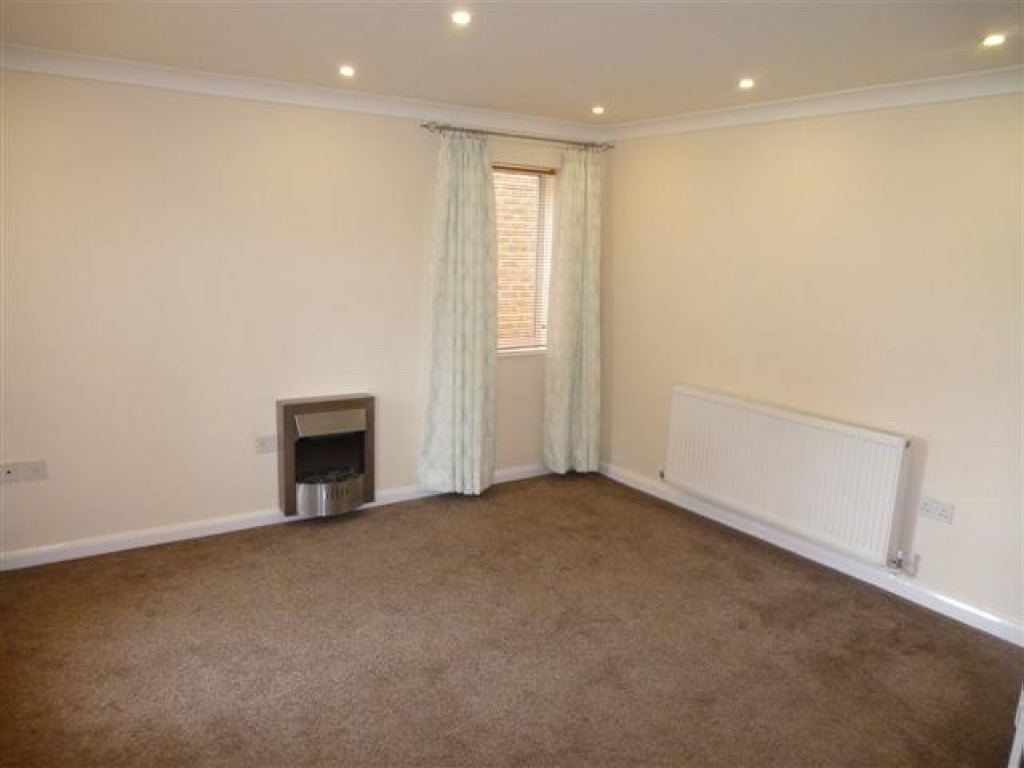 1 Bed End Terraced House For Sale - Photograph 2