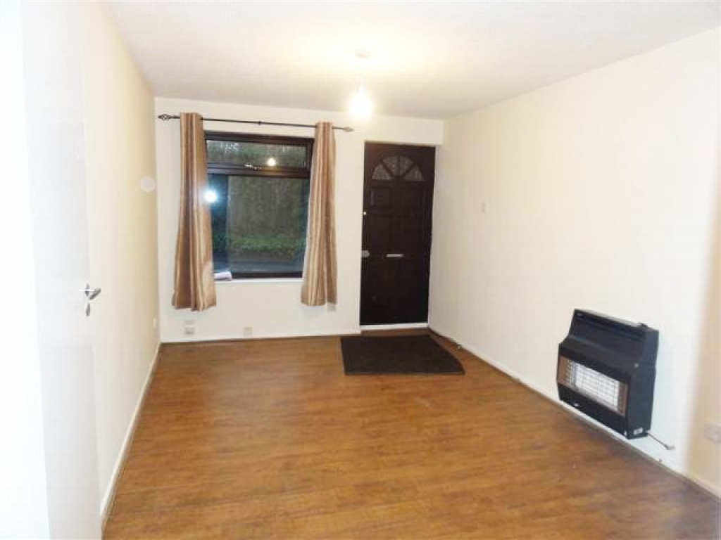 1 Bedroom Ground Floor Flat/apartment To Rent - Photograph 2