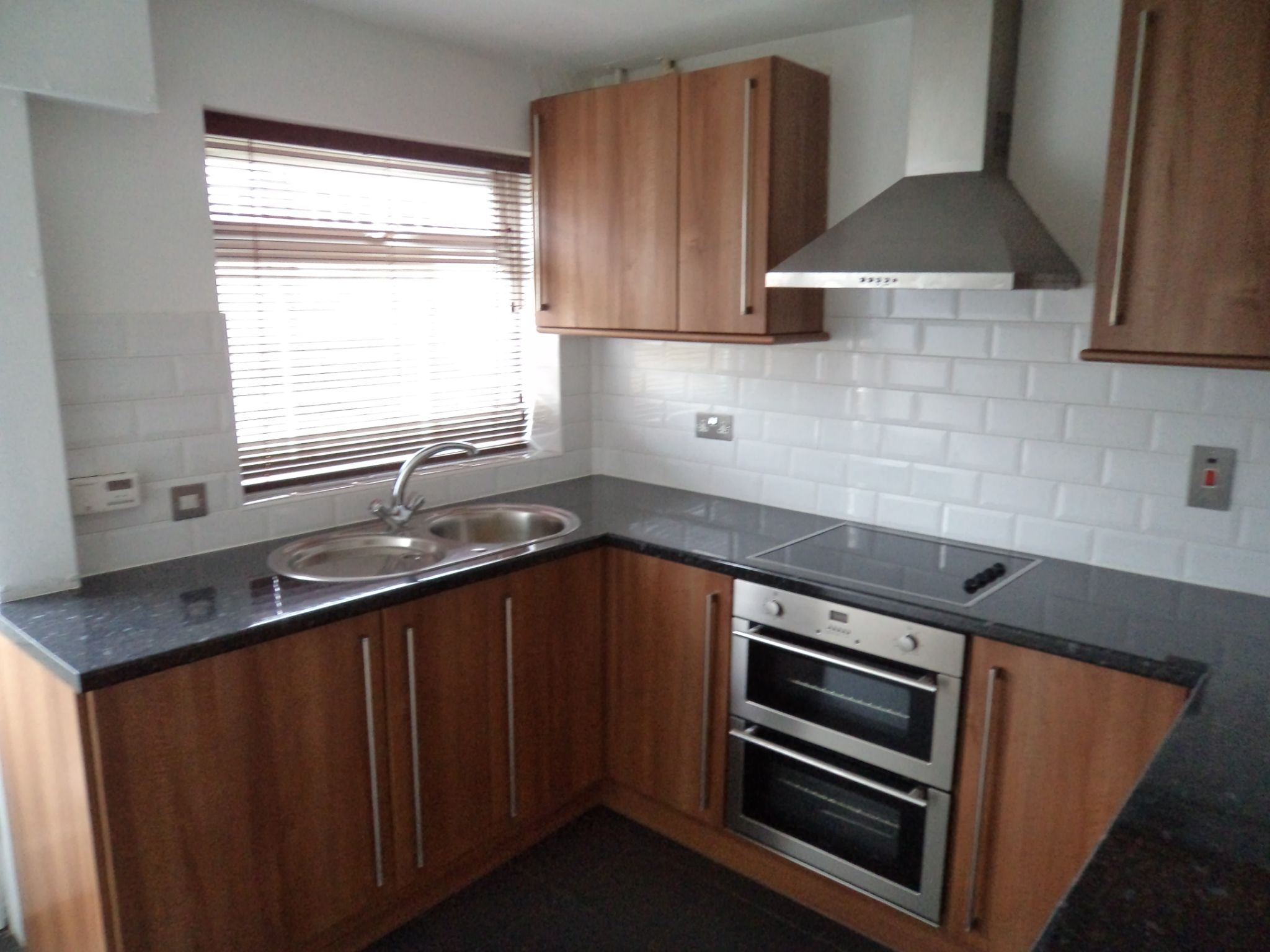2 Bed Semi-detached House To Rent - Kitchen