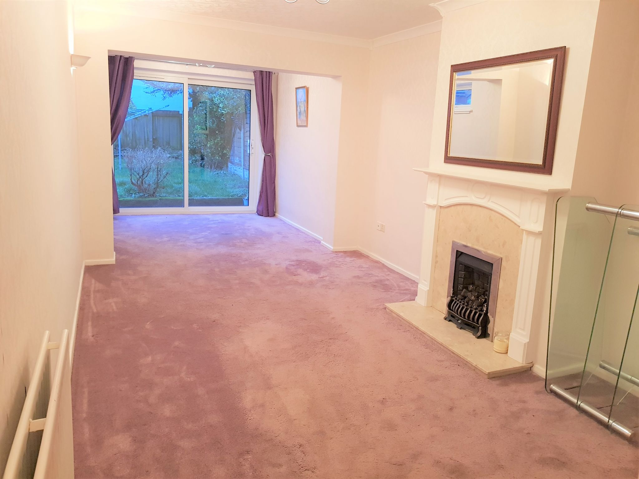 3 Bedroom Semi-detached House To Rent - Reception Room