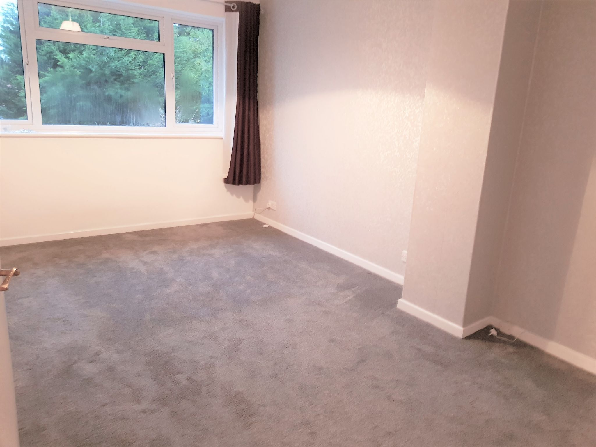 3 Bedroom Semi-detached House To Rent - Rear Bedroom