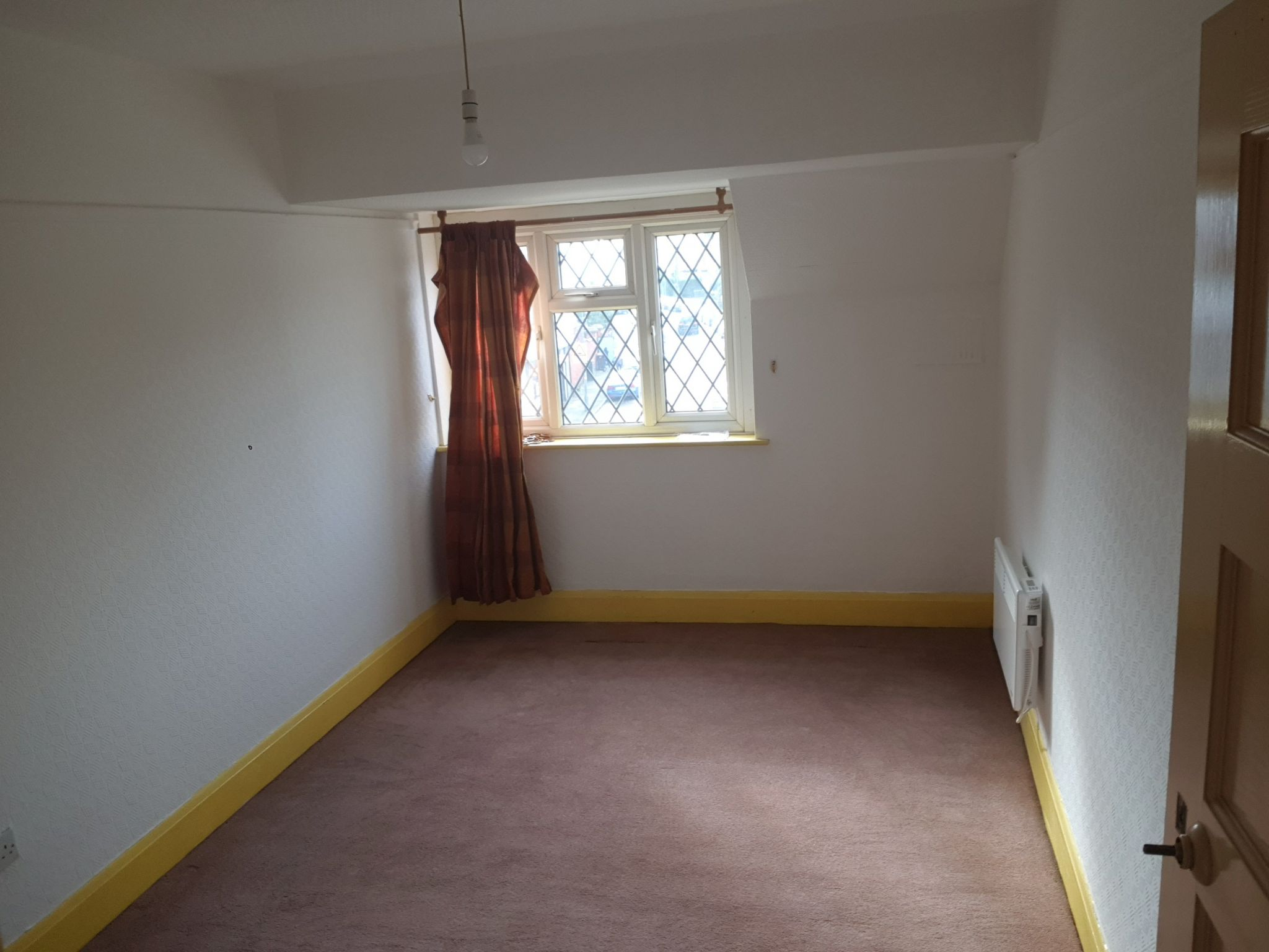 3 Bedroom Duplex Flat/apartment To Rent - Rear Large Bedroom