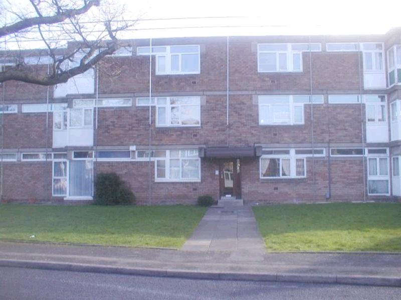 2 Bedroom Ground Floor Flat/apartment For Sale - Main Image