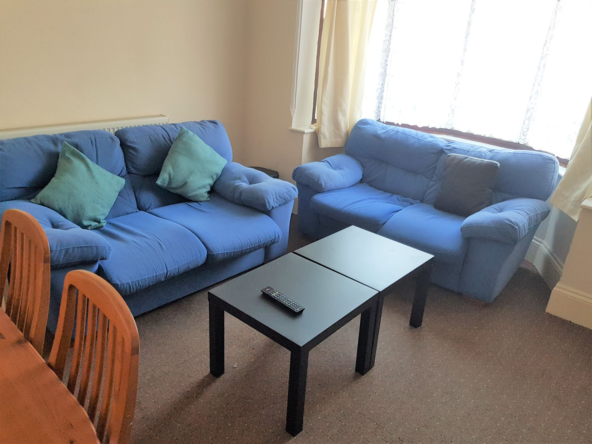 1 Bed Shared House To Rent - Communal Lounge / Dining Room