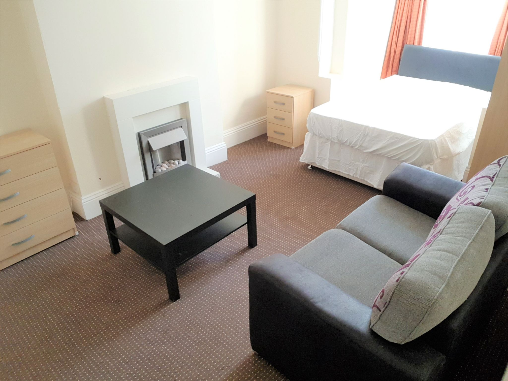 1 Bedroom Shared House To Rent - VACANT Downstairs Double Bedroom