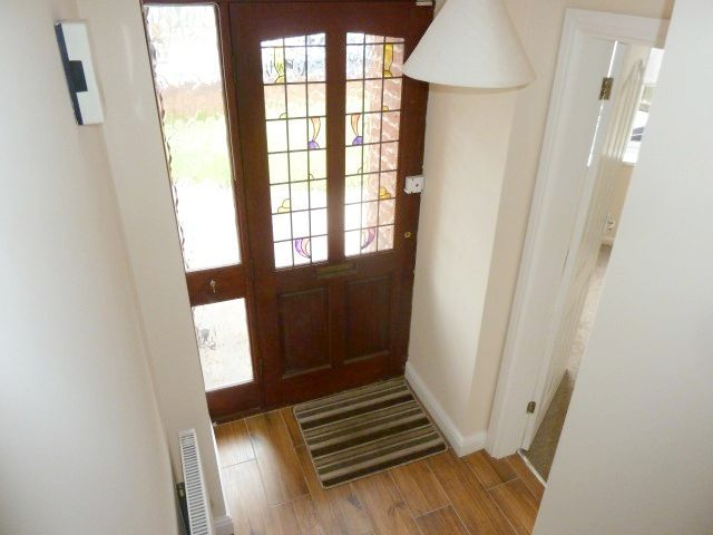4 Bed Detached House To Rent - Hallway