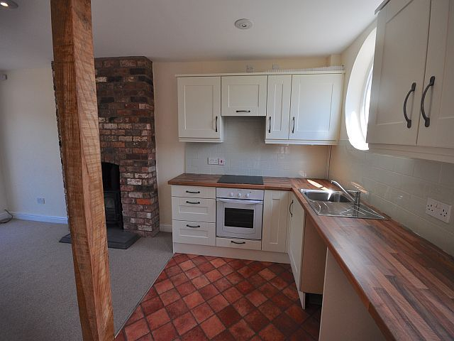1 Bed Cottage House To Rent - Photograph 15