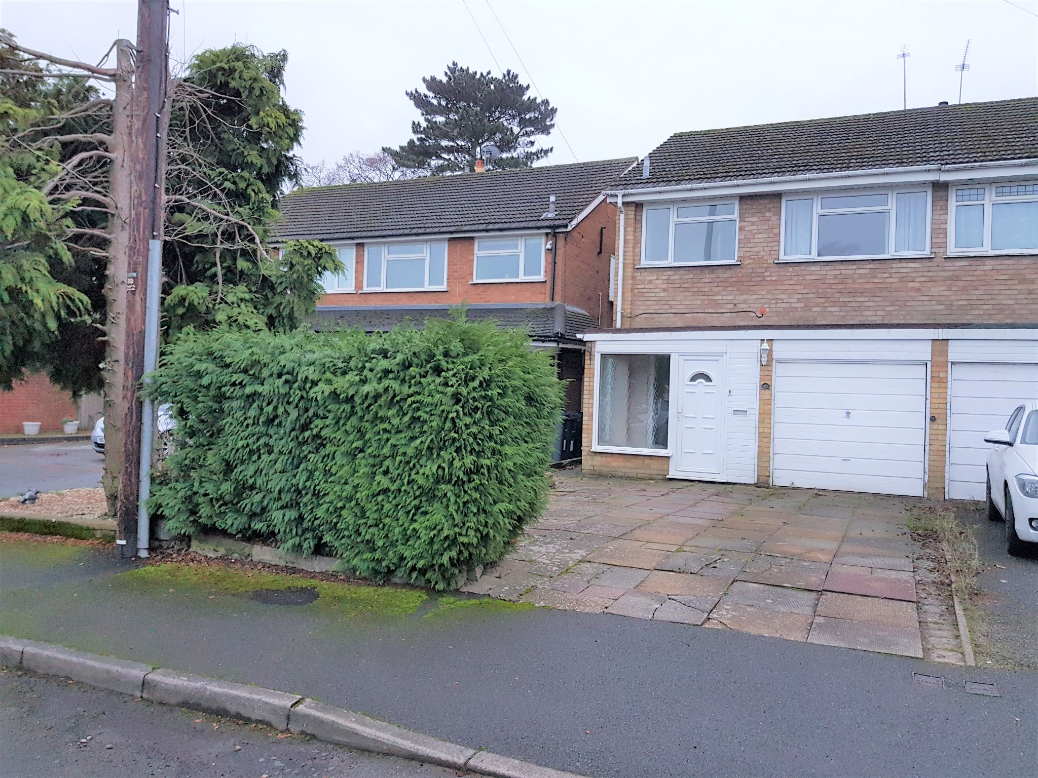 3 Bed Semi-detached House To Rent - Front