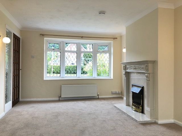 3 Bed Semi-detached House To Rent - Photograph 8