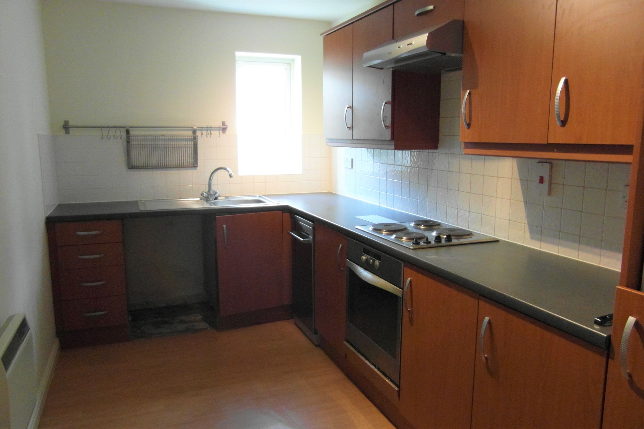 2 Bed Apartment Flat/apartment To Rent - Kitchen