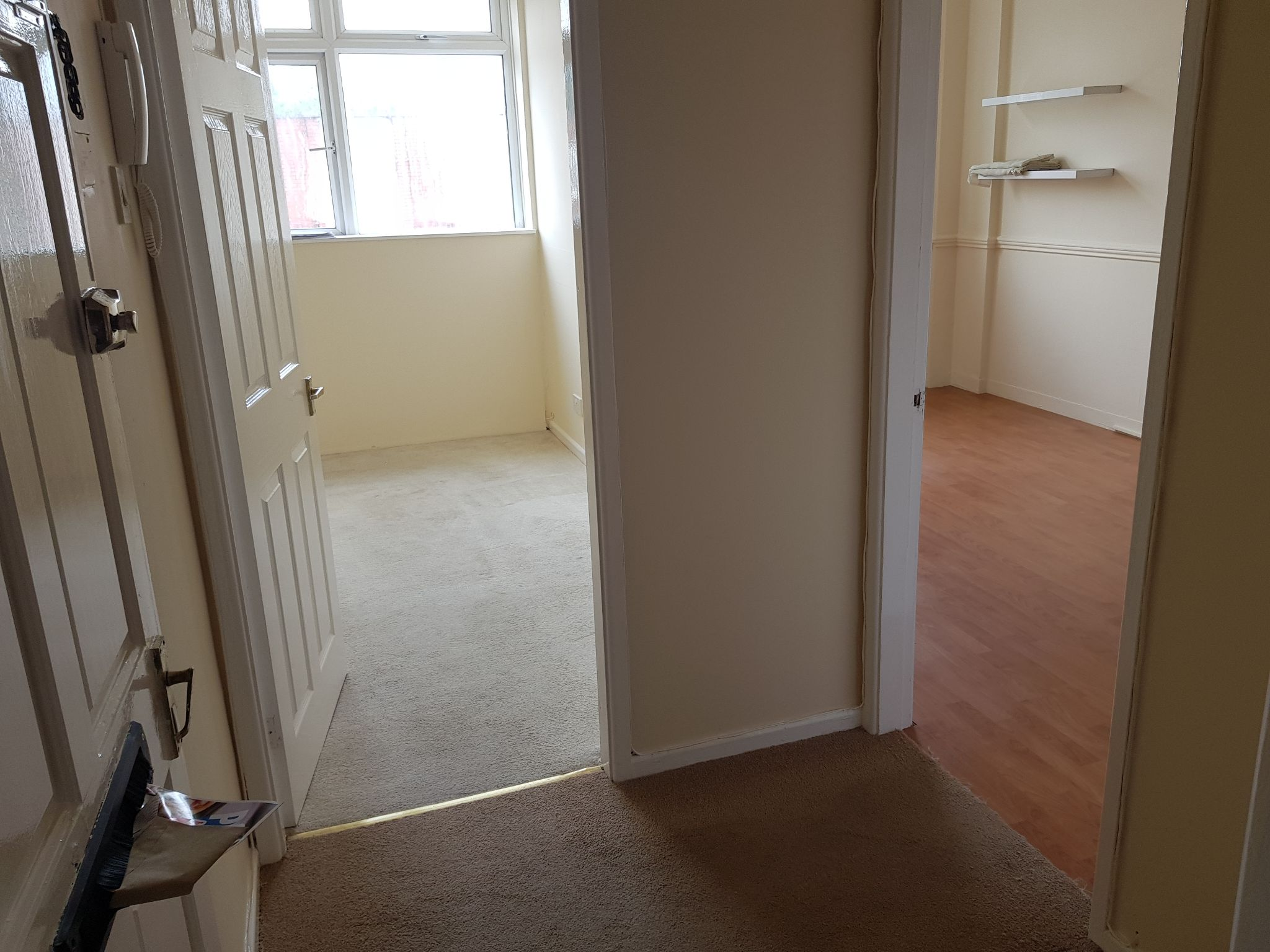 1 Bed Apartment Flat/apartment To Rent - Hallway
