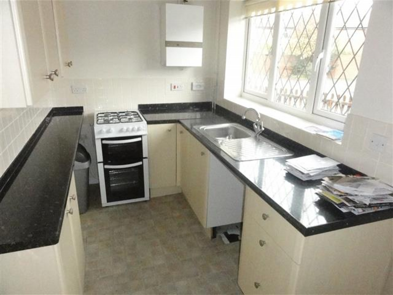 2 Bed Semi-detached House For Sale - Photograph 3