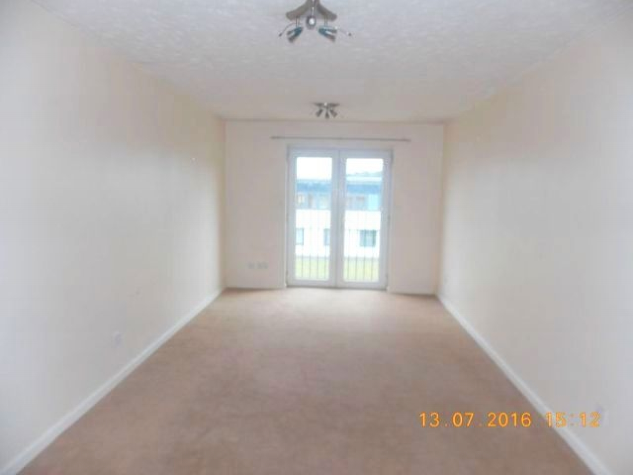 2 Bed Apartment Flat/apartment For Sale - Photograph 3