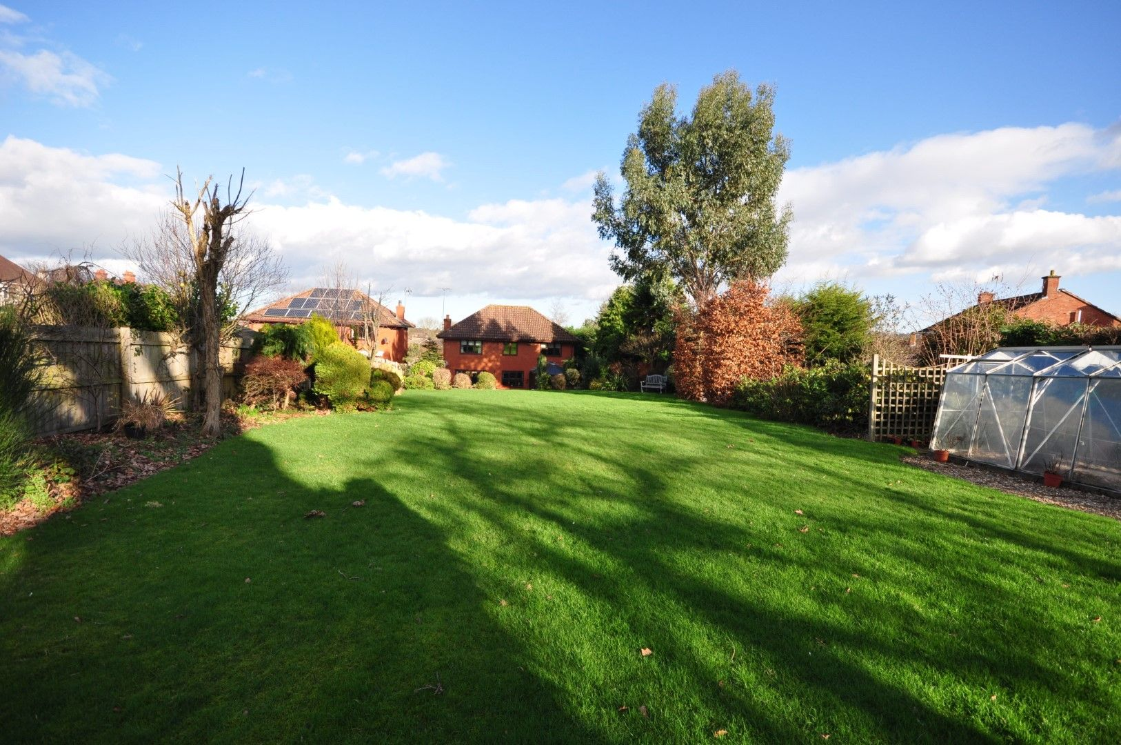 4 Bedroom Detached House For Sale - Photograph 27