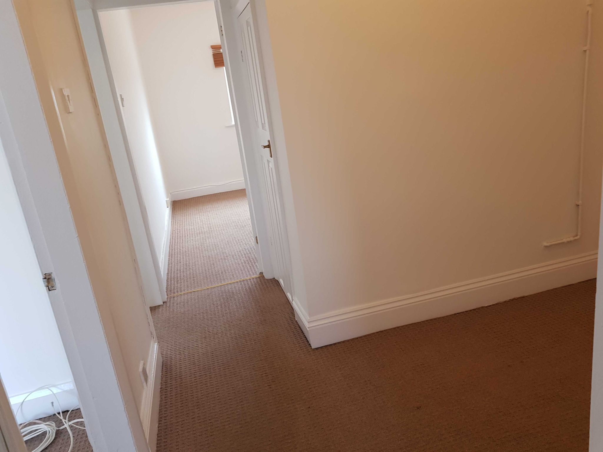2 Bedroom Apartment Flat/apartment To Rent - Inner Hallway
