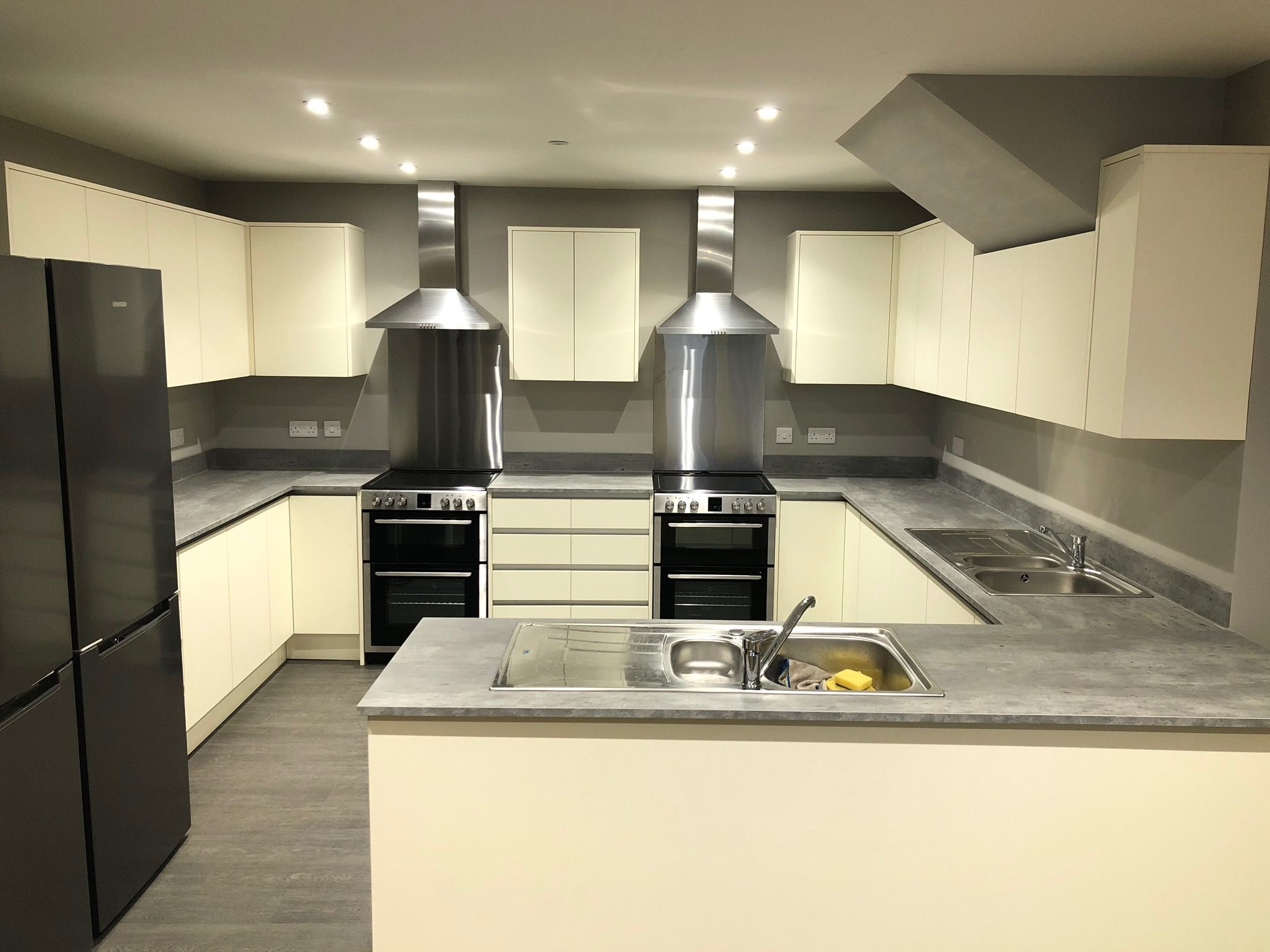 1 Bed Shared Flat/apartment To Rent - Photograph 4