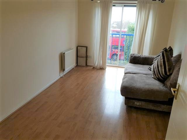1 Bedroom Apartment Flat/apartment For Sale - Lounge