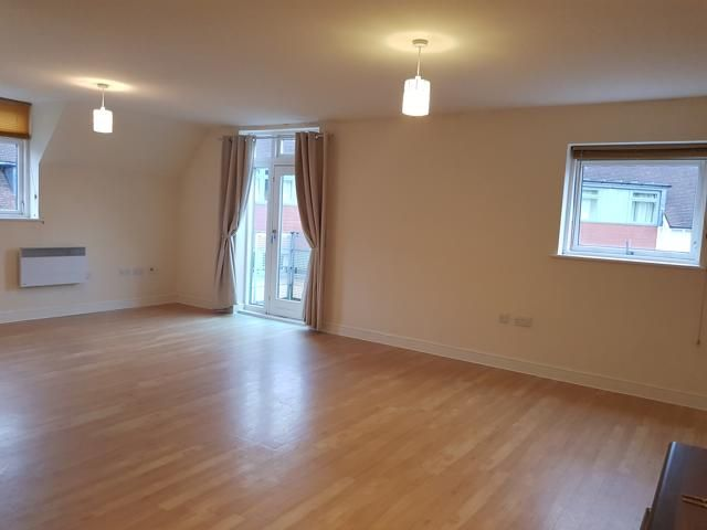 2 Bed Apartment Flat/apartment For Sale - OPEN PLAN RECEPTION ROOM / KITCHEN