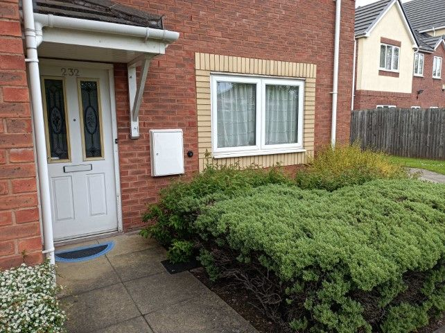 1 Bed Ground Floor Flat/apartment To Rent - Photograph 1