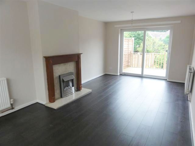 2 Bed Semi-detached House To Rent - Photograph 2