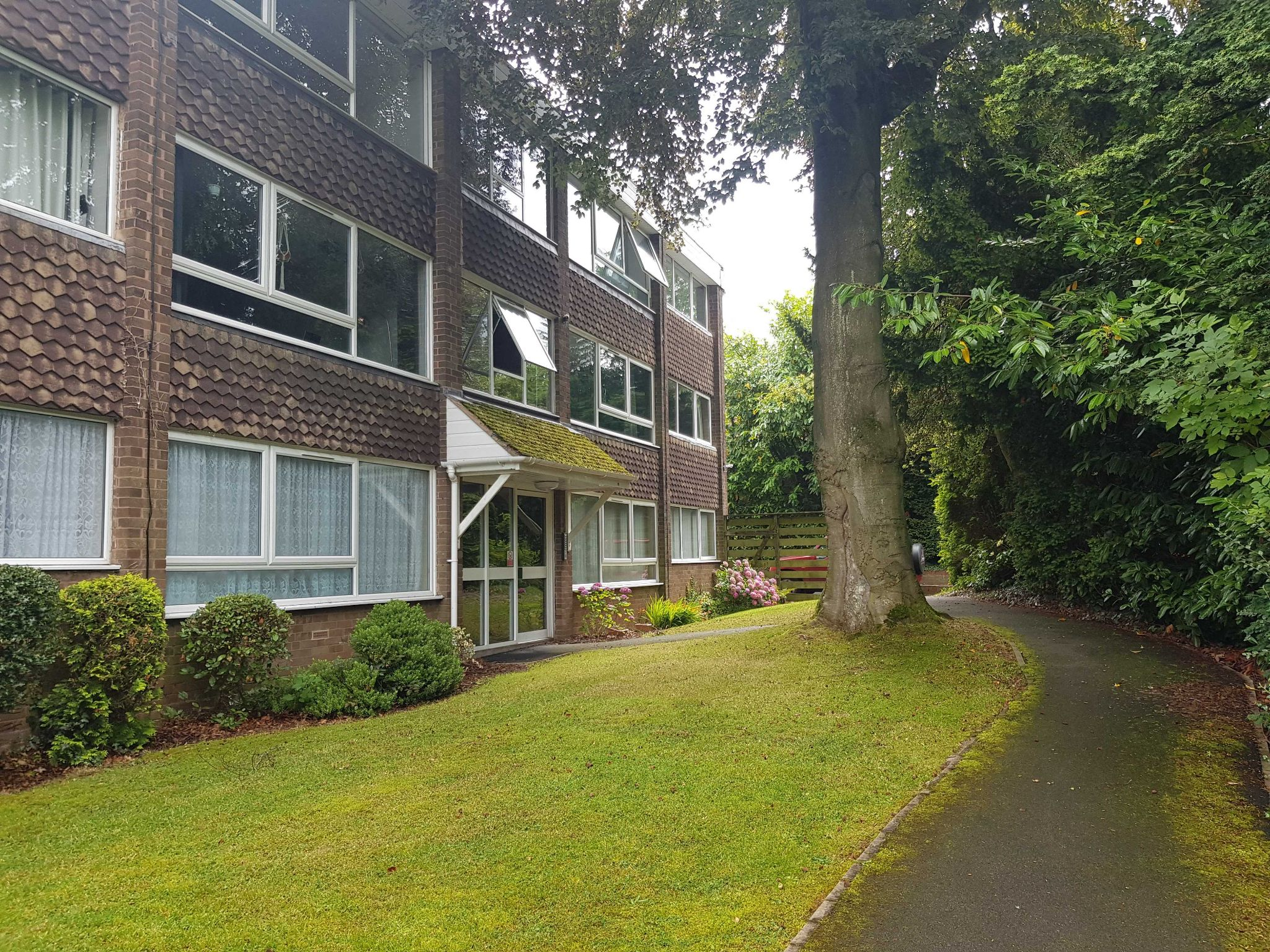 2 Bed Apartment Flat/apartment To Rent - Front Entrance View