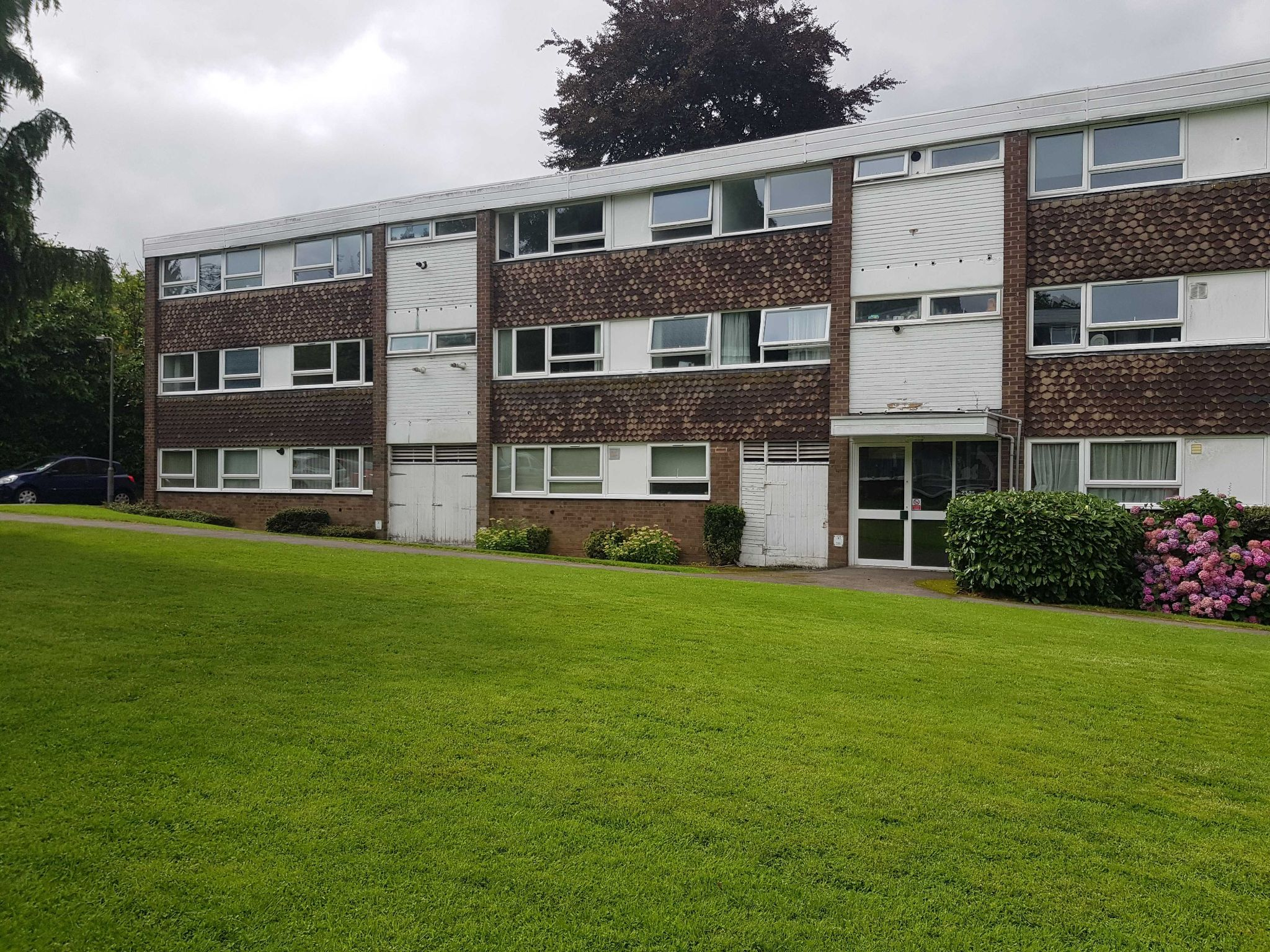 2 Bed Apartment Flat/apartment To Rent - Rear View